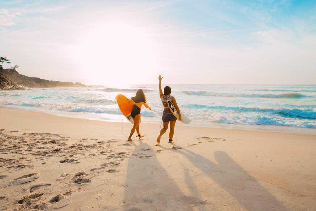 les sports en été - le surf